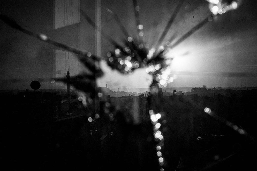 """Workshop """"Zonas de conflicto"""" con Manu Brabo"""